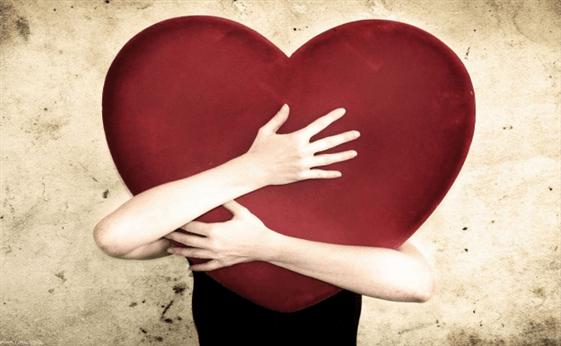 人を愛し、愛されている実感を持つ方法は?恋愛感情を高める秘訣